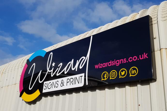 Wizard signs logo